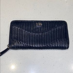 Coach Gathered leather wallet in Navy Blue
